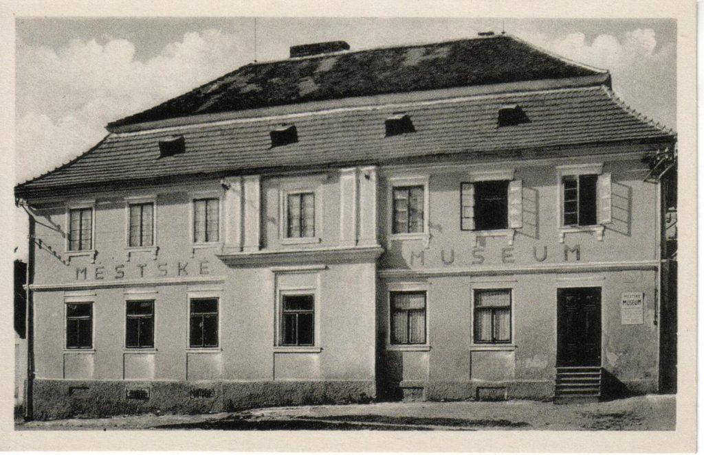 Muzeum v budově v Hronově ulici